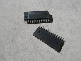 PLS101N układ scalony Signetics Nowy 2181COK 8833KD