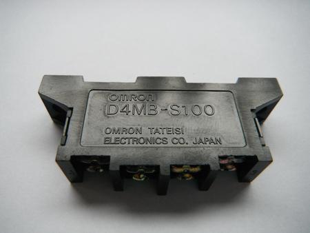 Wyłącznik krańcowy Omron D4MB-S100  (1)