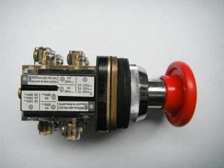 Przycisk grzybek sterowniczy tablicowy XB2.MC42 czerwony  (1)