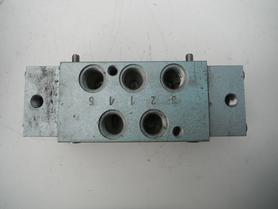 Zawór pneumatyczny 5/2 rozdzielacz Łucznik 130.05.828 PA47