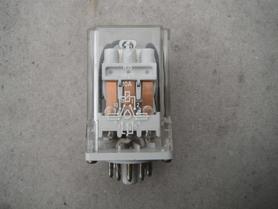 Przekaźnik R-15 różne cewki i konfiguracje styków