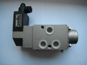 Zawór rozdzielacz 1/3 Łucznik Radom sterowany elektrycznie 611-G3/8-32.1-121/51.0-220B