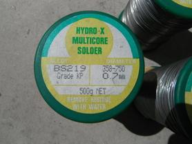 Lut Hydro-X BS219 0,7 mm multicore solder pozostałości usuwa się wodą