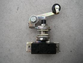 MPO-3 wyłącznik krańcowy z napędem teleskopowym FAEL