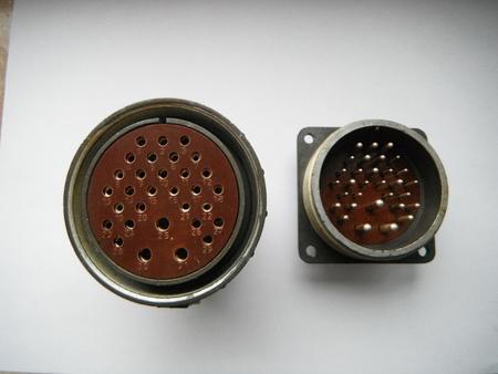 Wtyczka SzR55P31NSz3 + Uchwyt SzR55P31ESz3 , 31 pinów,Fi 55 mm (1)