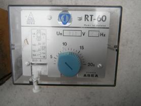 RT-60 Przekaźnik czasowy elektromechaniczny 5-20s 220VAC