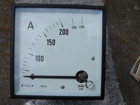 Amperomierz 200A (400A) miernik analogowy tablicowy E19N