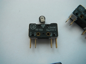 Lącznik miniaturowy typ 83133-54ER 7,5 krańcówka 2,5A AC 250V